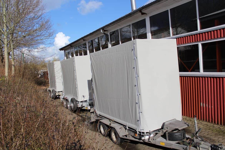 Presenning til høj trailer